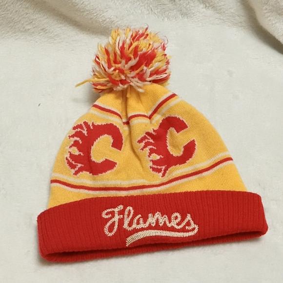 🌟3/$20🌟 CCM Pro Athletic Calgary Flames Beanie
